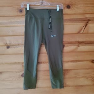 Nike Khaki Green, Back Zip Pocket, Dri-Fit Capris